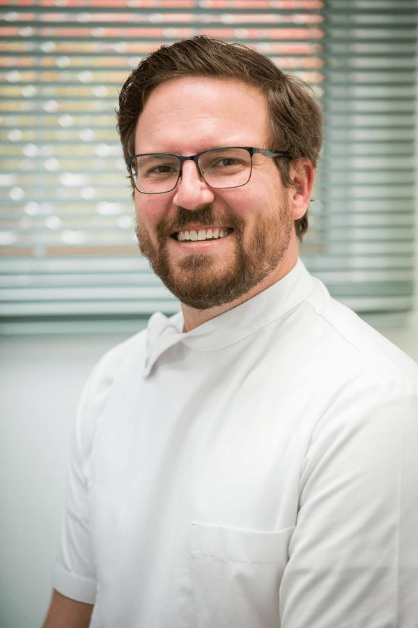alex ryan dentist